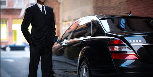Why people choose private cars from Avon to Vail?